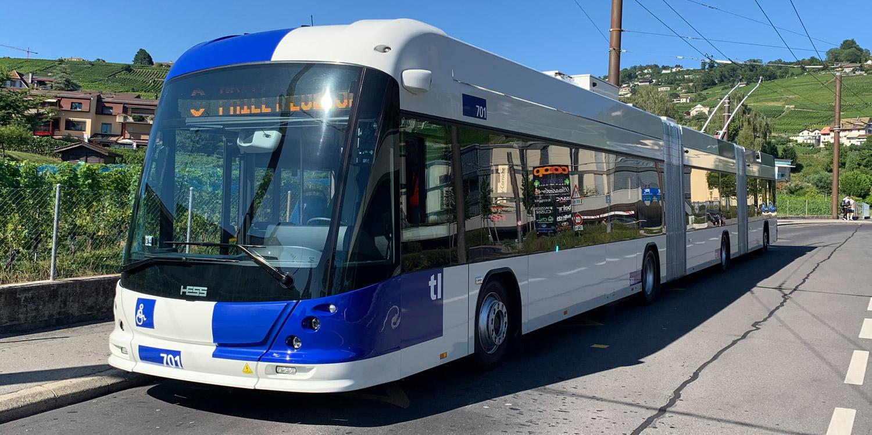Vue du méga-trolleybus qui circule déjà sur la ligne 9